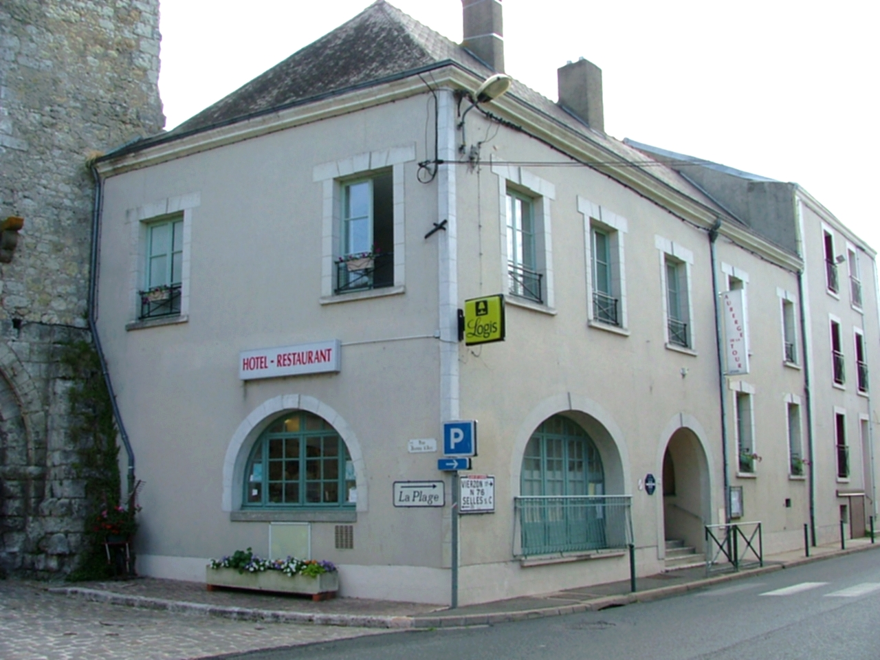 H tel restaurant for Garage solidaire tours